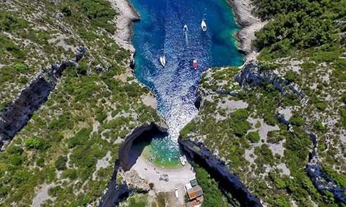 Stiniva bay from air