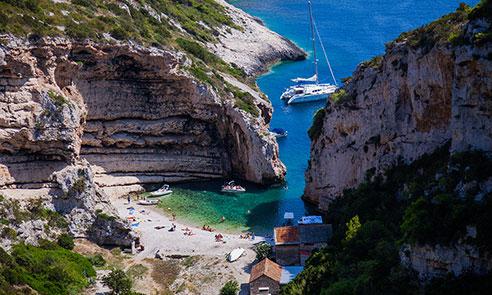stiniva bay on vis island